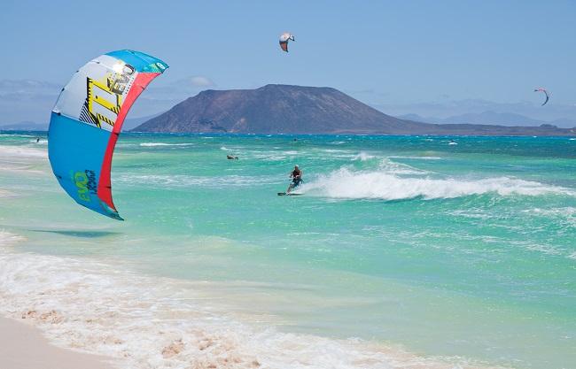 """Los Mejores Spots de kitesurf en Fuerteventura"""