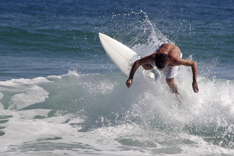 """8 Trucos de Surf"""