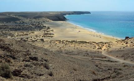 """""""9 Playas que No Te Puedes Perder Si Vas a Lanzarote"""""""