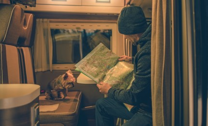 """""""Traveling in Motorhome 6 Things that you Should not Take in your Vacations"""""""