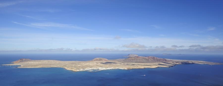 """""""De Fuerteventura a Isla de la Graciosa en Camper ¿Es posible?"""""""