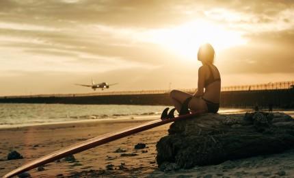 """""""¿Viajas en Avión con Tu Tabla de Surf? Esto es lo que Debes Saber..."""""""