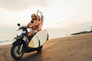 """""""Viajando con tu tabla de surf"""""""