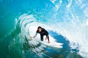 Si quieres coger más olas, practicar constantemente, tener paciencia y constancia son factores claves para perfeccionarte como surfista.
